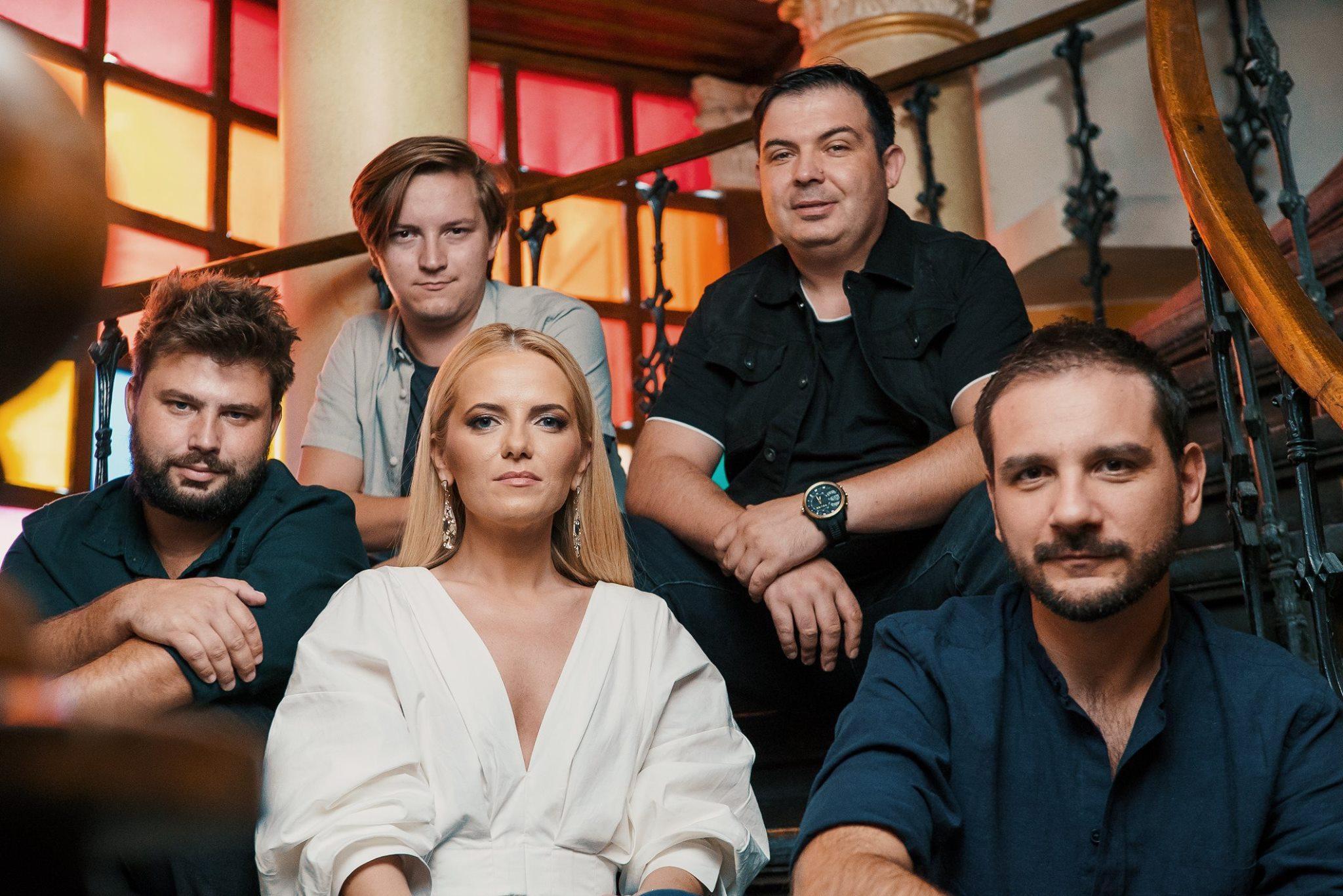 """Résultat de recherche d'images pour """"the humans eurovision"""""""