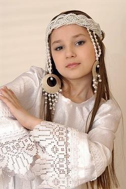 4 - Arina Doronina